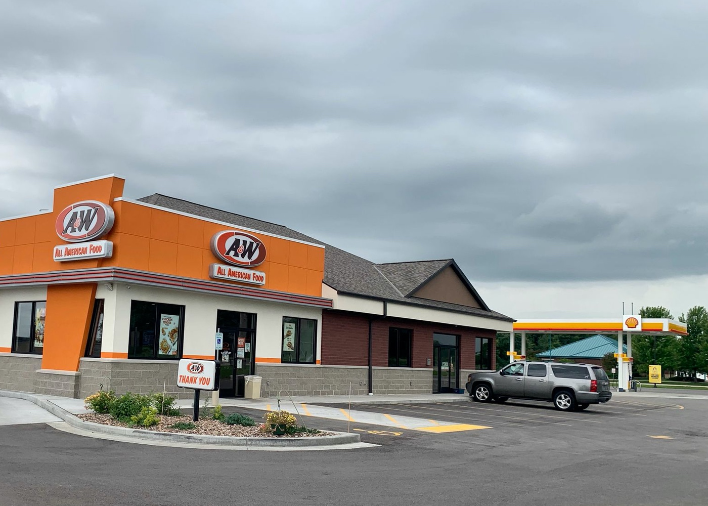 Exterior of A&W Restaurant in Winneconne, Wisconsin connected to a Shell gas station.