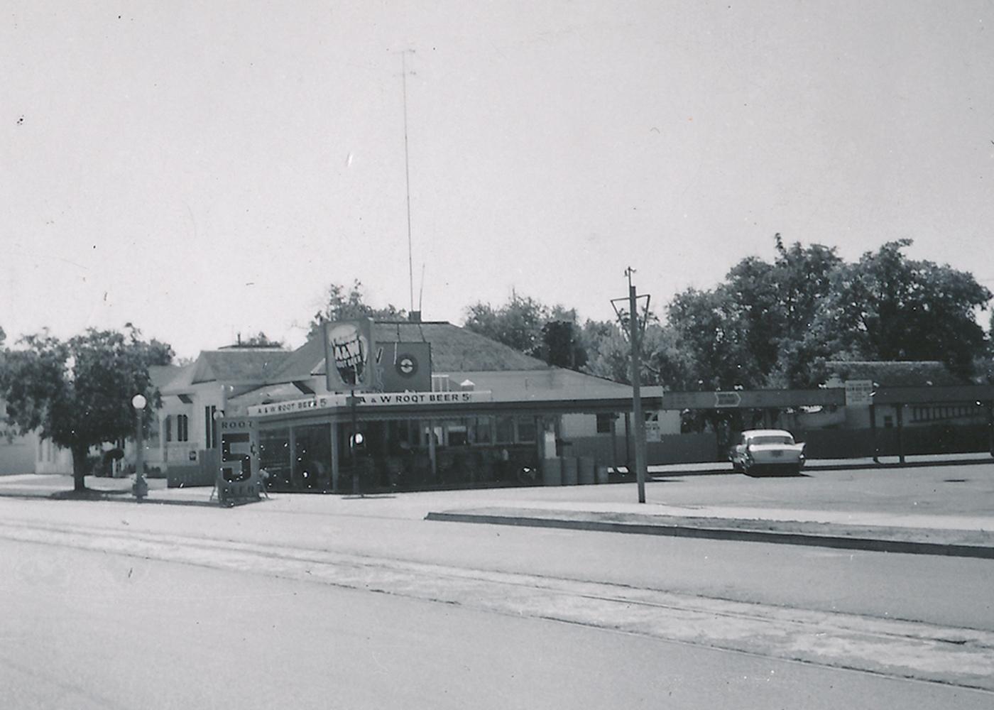 Black and white photo of A&W Restaurant in Lodi, California