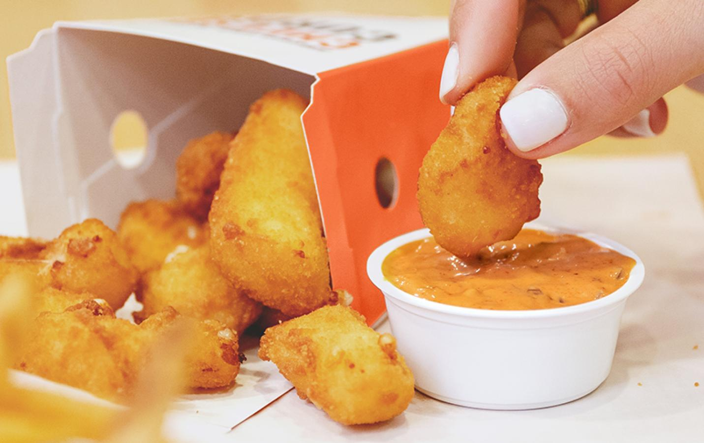 Cheese Curds and Spicy Papa Sauce